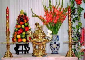 Loại hoa nào đặt trên bàn thờ mang tài lộc vào nhà?