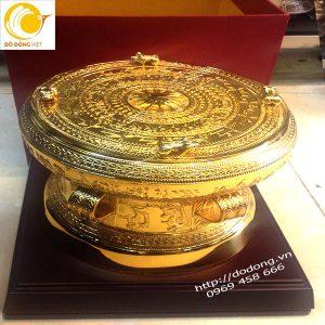 Ý nghĩa trống đồng mạ vàng đúc tinh xảo cao cấp