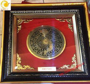 tranh mặt trống đồng ăn mòn các đường kính,khắc bản đồ tinh tế,khung kínhtranh mặt trống đồng ăn mòn các đường kính,khắc bản đồ tinh tế,khung kính