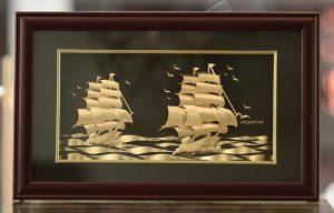 Tranh thuyền dát vàng 24k cao cấp 50x90cm đẹp trang trí phòng làm việc